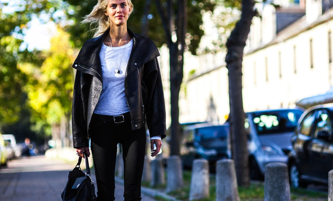 Aymeline_Valade_Loewe_Leather_Jacket_Bag_Streetstyle_PFW